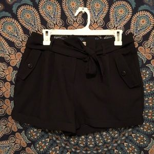 Pants - navy high-waisted shorts